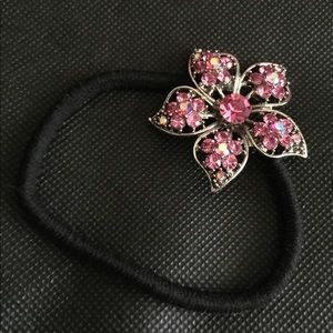Accessories - Pink crystal flower Ponytail